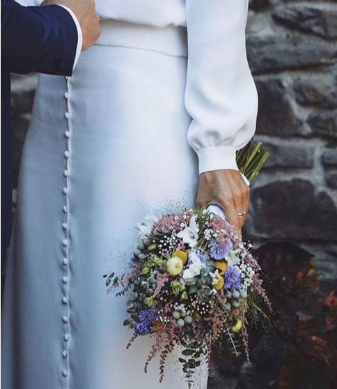Mejores ramos de novia: ramo con tonos amarillos y violetas