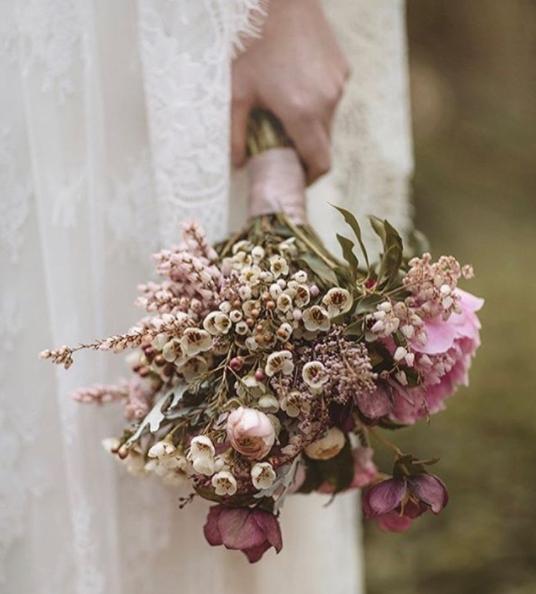 Mejores ramos de novia: ramo de tonos rosas